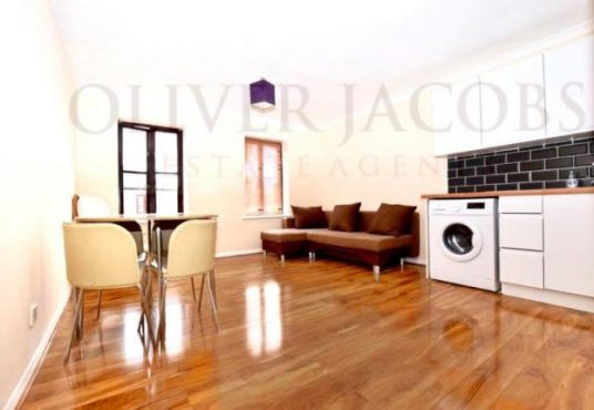 1 bed flat for sale in Nightingale -5