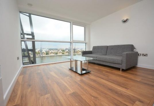 1 bed flat to rent - Western Gateway 2