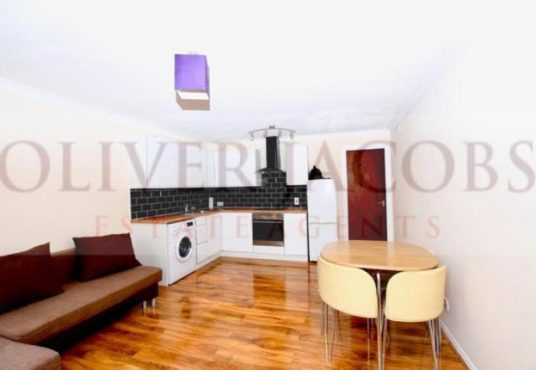 1 bed flat for sale in Nightingale -2