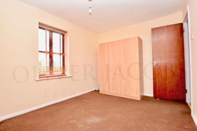 1 bed flat for sale in Nightingale -3
